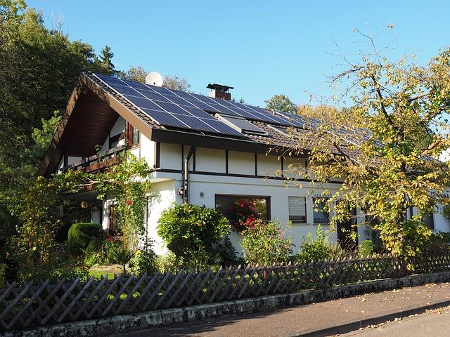 מה צריך לדעת לפני שמתקינים מערכת סולארית ביתית