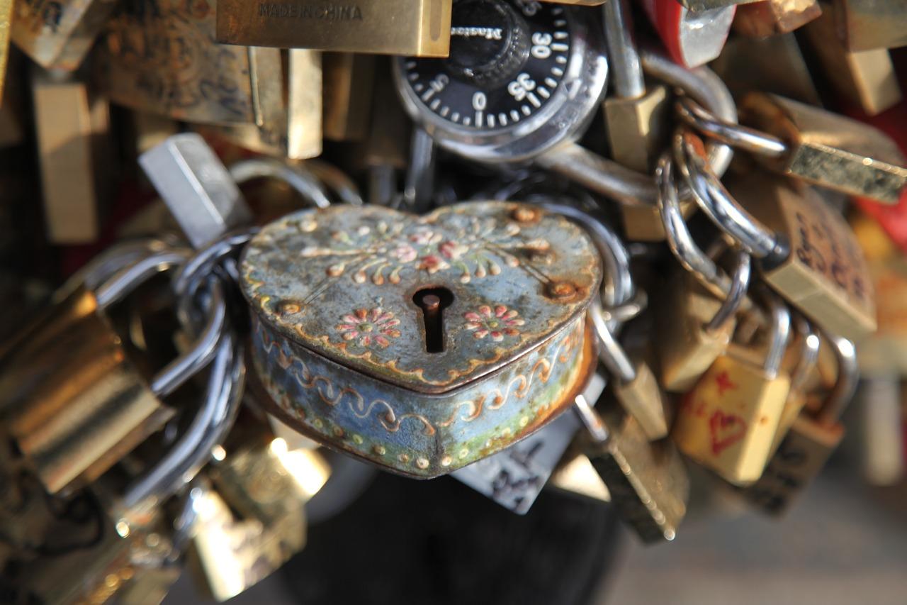 locksmith-1023037_1280