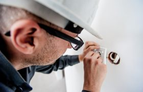 electrician-1080554_640