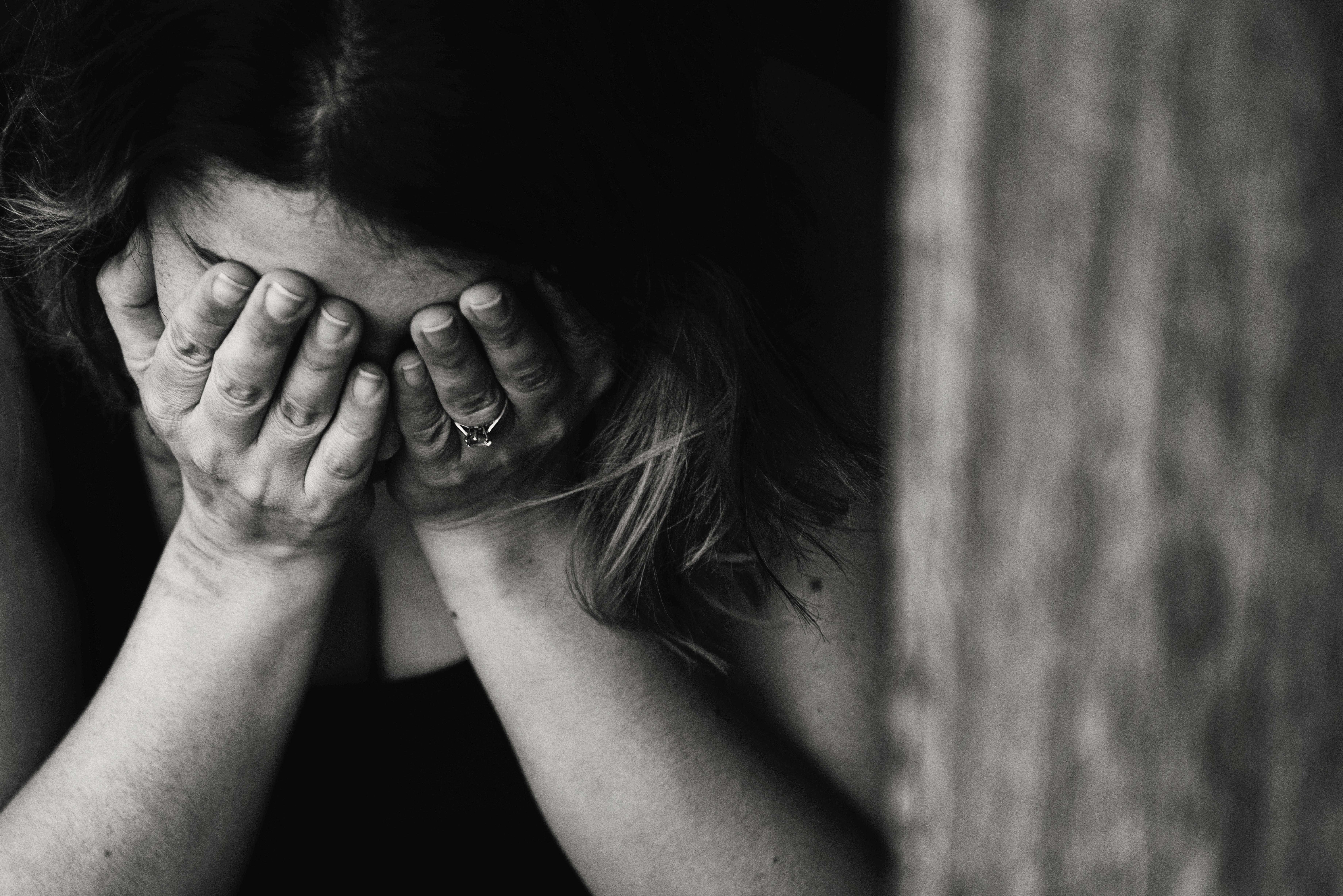 האם יש טיפול בדכאון