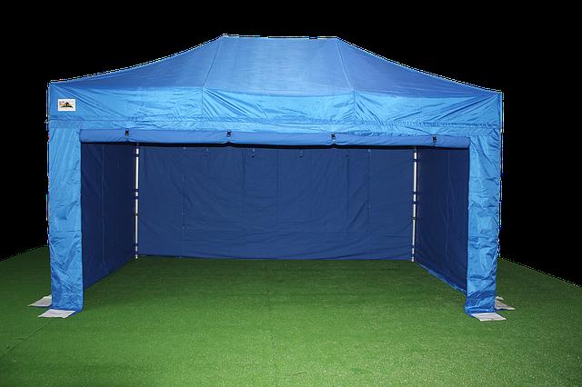 אוהלים לאחסנה – מה צריך לבדוק לפני שמזמינים